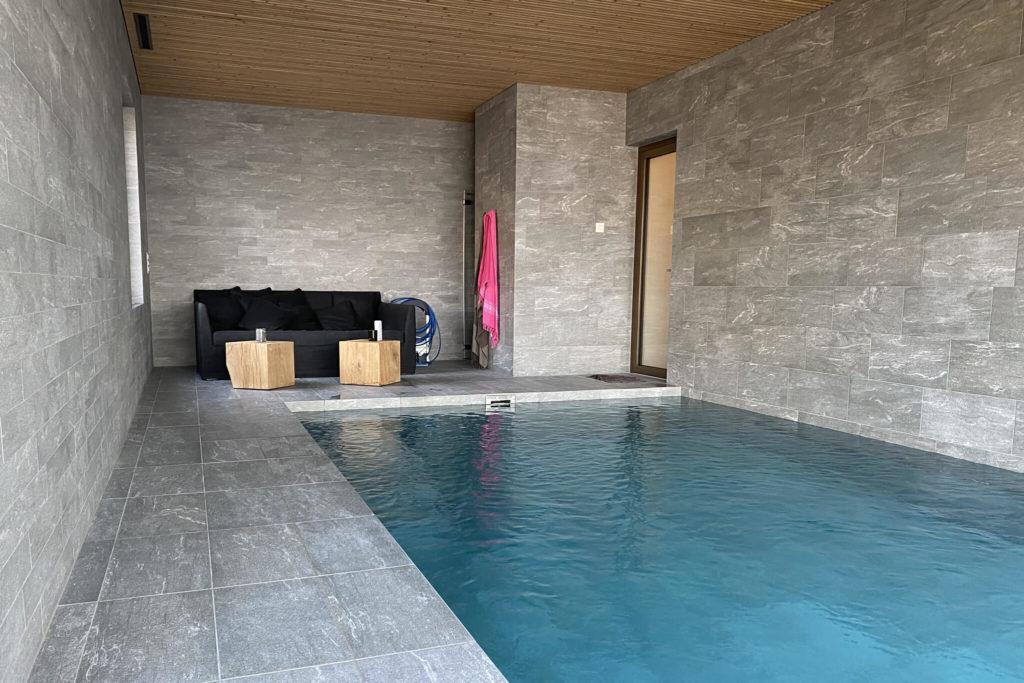 Nos carreleurs pose de carrelage pour les piscines à Pully, Lutry et Lausanne.